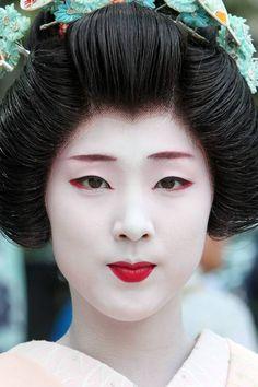 the women, japan, face paintings, halloween hair, geishas, halloween makeup, makeup tips, red lips, beauti