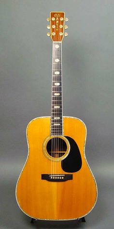 """Martin D-45 (1970) : German Spruce top, Indian Rosewood back & sides. """"Martin"""" logo on the head in this year is very similar to 1968 & 1969 Brazilian Rosewood D-45."""