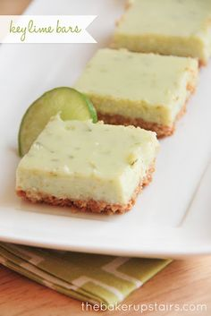 Creamy, tangy, and sweet key lime bars! // the baker upstairs http://www.thebakerupstairs.com
