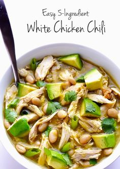 5-Ingredient Easy White Chicken Chili | The Best Healthy Recipes Game day foods. Best game day recipes. Football party foods. #gameday #food #recipes