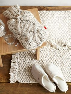 Round-Up: Knitted Home Decorations