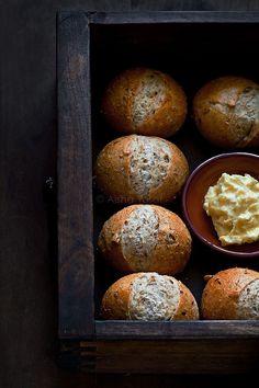 Bread rolls.. by aisha.yusaf