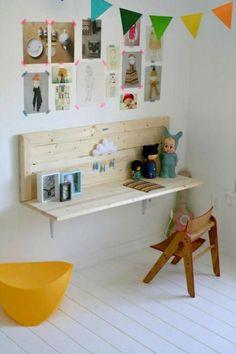desk.  from boo and the boy ~ Escritorio infantil.