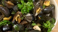 Emeril's Favorite Linguine with Clams