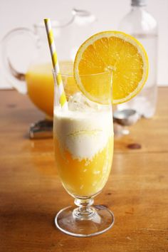 sparkling citrus float...1/3 cup chilled, fresh orange juice*  1/3 cup chilled pineapple juice*  1/3 cup chilled club soda*  2 scoops vanilla ice cream*    Combine orange juice, pineapple juice, and club soda in a glass. Add ice cream. Serve with a straw and long-handled spoon. Stir before drinking.