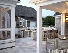 CHIC COASTAL LIVING: Chic Nantucket Outdoor Kitchen