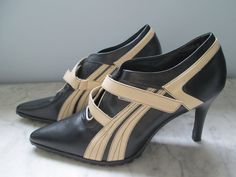 Size 11 M Vintage Pointed Toe Shoes, never worn. These are crazy! For sell on etsy.