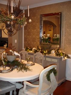 25 Gorgeous Holiday Table Settings : Page 11 : Decorating : Home & Garden Television