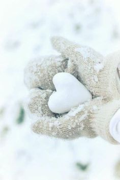 snow heart #mittens
