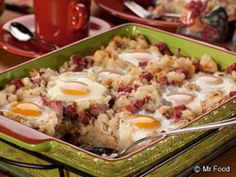 Our amazing Hash for a Bash can not only feed a small army, but it's perfect any time of the day, not just for breakfast. So round up the gang, make sure they're hungry and get ready to watch this dish disappear  Read more at http://www.mrfood.com/Misc-Breakfast-Recipes/Hash-For-A-Bash-new#svC5jbTbRP1cXtEU.99
