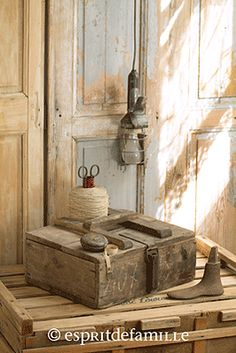 Dough boxes old storage boxes chest on pinterest primitive antiques 19 - Brocante industrielle en ligne ...
