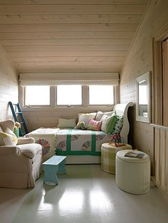 Sarah Richardson's kid's loft. Trundle bed with AMAZING quilts and pillows