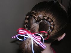 quick and easy heart ponytail