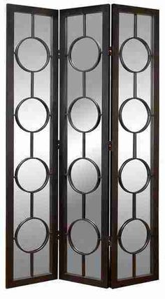 Diggin the sleek combination of wood & metal alloy in this Urban Trends 3-panel screen.