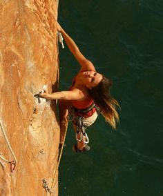 Rock climbing Thailand, lead climbing, deep water solo