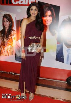 Shilpa Shetty too wore a similar coloured gown as Sridevi. Undoubtedly, this is one time Shilpa scored over the English Vinglish actress style-wise.