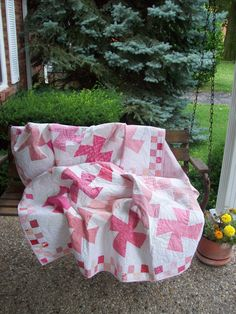 Pink & White Twister Quilt