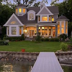 Cape Cod, Shingle style lake home