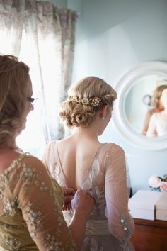 Gorgeous twisted and curled upstyle via Hallelujah Weddings.