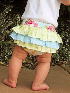 How to Sew Fancy Ruffled Diaper Covers - this looks like something you'd like @Karla Pruitt TeSlaa Van Baren for your sweet baby girl :)