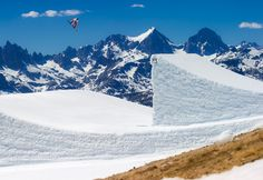 Mammoth Mountain, CA. Desparatley seeking the perfect park. Look no further than Mammoth. Feel the desire to skin up 13,000' peaks for endless spring corn...look no further than Mammoth. Whether looking for a spring break getaway or a jump off point for the Sierra's, Mammoth won't disappoint.
