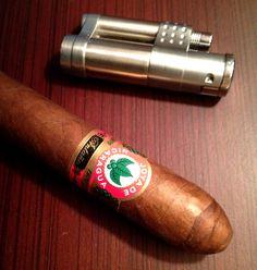 Joya de Nicaragua Antano, full bodied delicious Cuban style cigar.