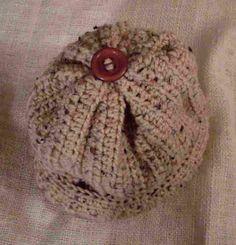 Craftybegonia: Cute Buff Fleck Beanie free pattern crochet hat patterns, craftybegonia, crochet hats, knit, buff fleck, crochet patterns, yarn, fleck beani, beani free