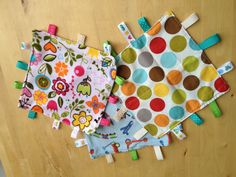 Cute DIY Taggie Blanket Tutorial - 5 easy steps with tons of pictures!