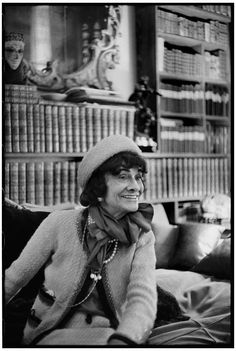 1964: Mademoiselle Chanel in her apartment on 31 rue Cambon. Portrait by Cartier-Bresson. © Chanel