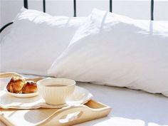 Prendre un petit déjeuner au lit..