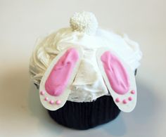 Bunny bottom cupcakes...cute and easy!
