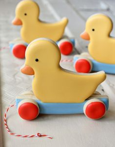 Duck Pull Toy Cookies {Sugarbelle} - These are adorable. <3