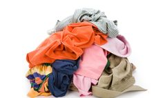 5 Natural Laundry Detergents + A Recipe to Make Your Own