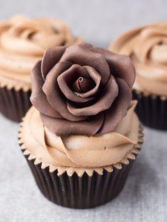 chocolate rose cupcake