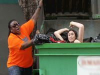 South Beach Tow Bernice Takes Out The Trash