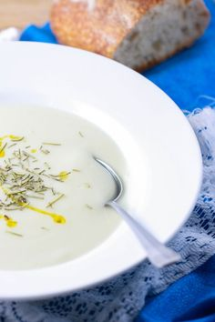 coconut cauliflow, cauliflower soup, olive oils, food, coconut milk, bacon, coconut bisqu, cauliflow bisqu, cauliflow coconut
