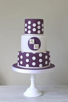 Don't need the scrabble tiles, but teh cake itself is really cute! - Polkadots & Scrabble Wedding Cake