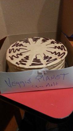 planet, malt cake, vegan pastri, vegan cake, cake box