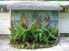 Sivananda Ashram Yoga Retreat: One of the restrooms