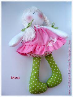Aleksa artesanais: Boneca Mia