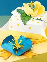 envolver regalos con flores