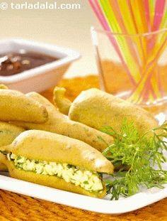 Bharwan Paneer Chilli Pakoda (Banana peppers stuffed with paneer and batter fried)