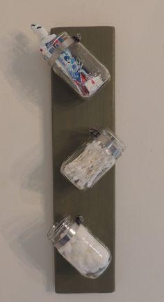 Mason Jar Wall Decor/Storage/Planter bathroom wall storage, decorate bathroom walls, cute bathroom diy, mason jar wall craft, bathroom wall decor diy, mason jars, decorating bathroom walls, guest bathrooms, mason jar wall decor