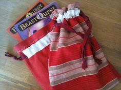 drawstring bags http://whipup.net/2010/11/11/whipup-tutorial-simple-drawstring-bag-with-french-seam/