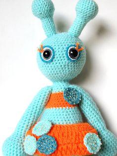 alien girl art doll, amigurumi