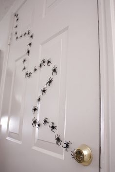 DIY Halloween Magnetic Spiders by deliacreates: Easily made with plastic spider rings from the dollar store. #DIY #Halloween #Magnetic_Spiders