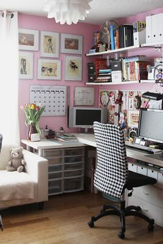 Pink and houndstooth?  Yes please!