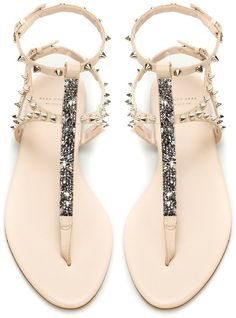 I'm obsessed with these shoes! They have them at DSW for $60.. longingly waiting for them to go onsale
