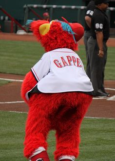 gapper - cincinnati redswhat does he do when the reds hit a home