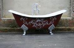 Red tub